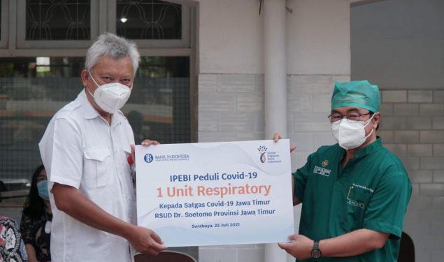 Bersama BMPD dan IPEBI Jatim, Bank Indonesia Serahkan Bantuan Alat Terapi Oksigen