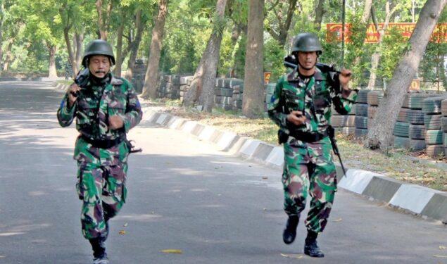 Prajurit Petarung Yonif 3 Marinir Laksanakan Cross Country Sejauh 8 KM